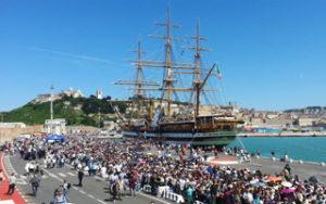 L'Amerigo Vespucci al porto di Ancona