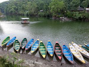 Pokhara e il suo lago