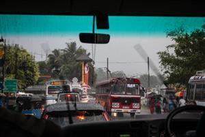 L'acquazzone monsonico che ci colpisce a Kandy