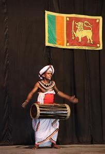 Spettacolo folkloristico Srilankese